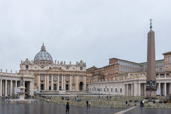 Faculty and students to participate in Vatican meeting on nuclear disarmament